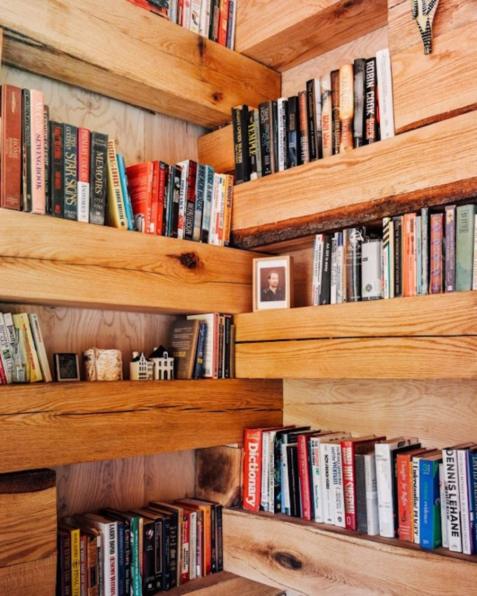 Hemmelig Rom, Amazing Hidden Library In The Woods